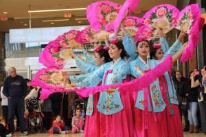 KTDOC Fan Dance