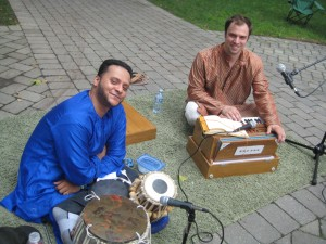 Shivalik Ghoshal, tabla with Andrew Shantz, harmonium player and vocalist