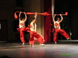 dancers with Nai Ni Chen company