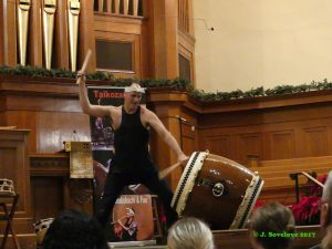 Marco Lienhard of Taikoza drumming