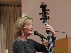 Jazz vocalist-bassist, Nicki Parrott with Frank Vignola Trio